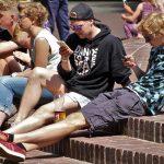 problem dzieci z telefonami i grami - uzależnienie